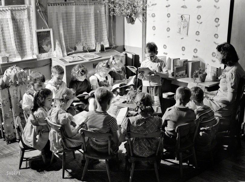 Reading Circle: 1942