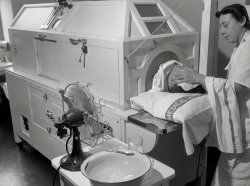 Hot Box: 1943