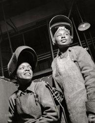 Women Welders: 1943
