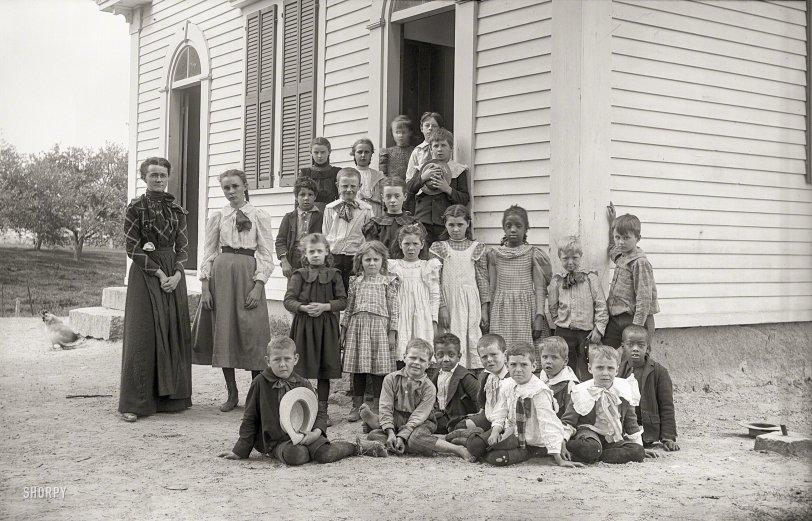 Class Photo: 1900