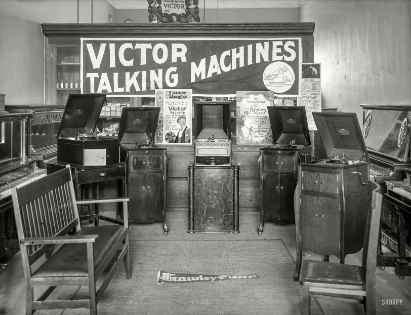 Talking Machines: 1914