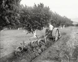 Walking Tractor: 1918