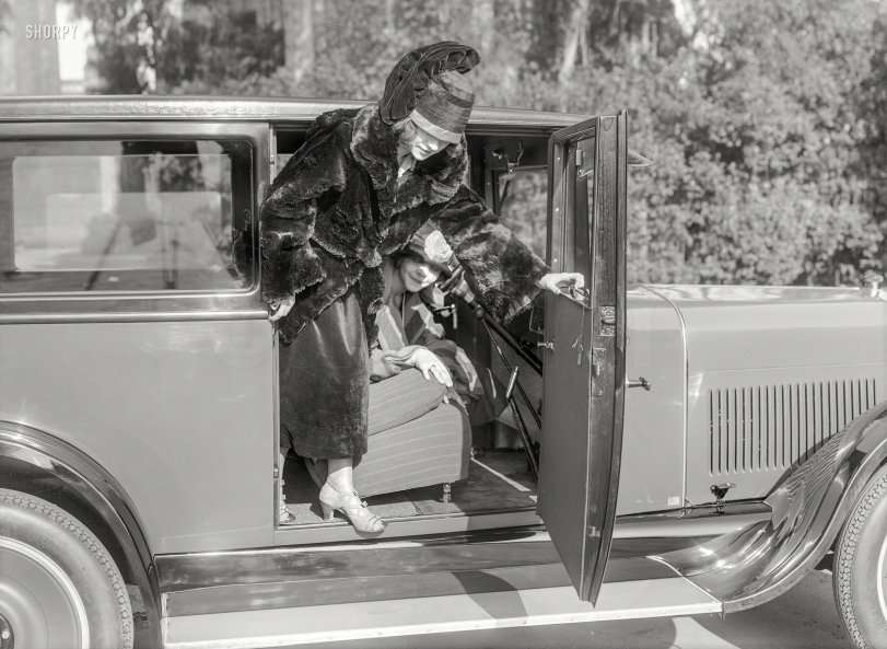 Fashion Plate: 1924