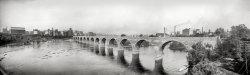 Stone Arch Bridge: 1905