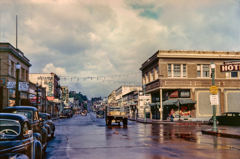 Astoria, Oregon: 1944