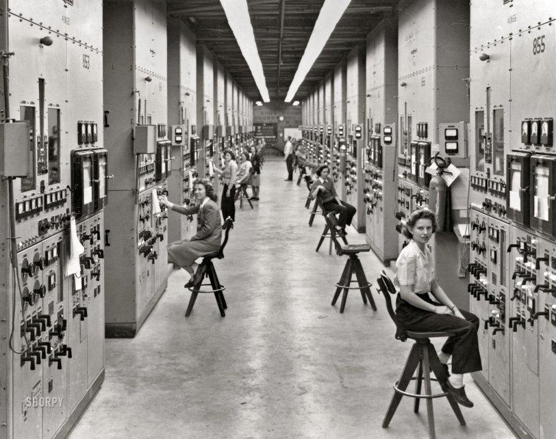 Calutron Girls: 1944