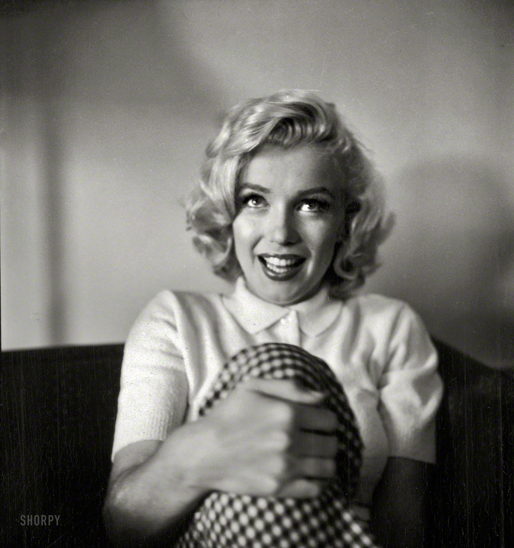 A Chat With Marilyn 1953