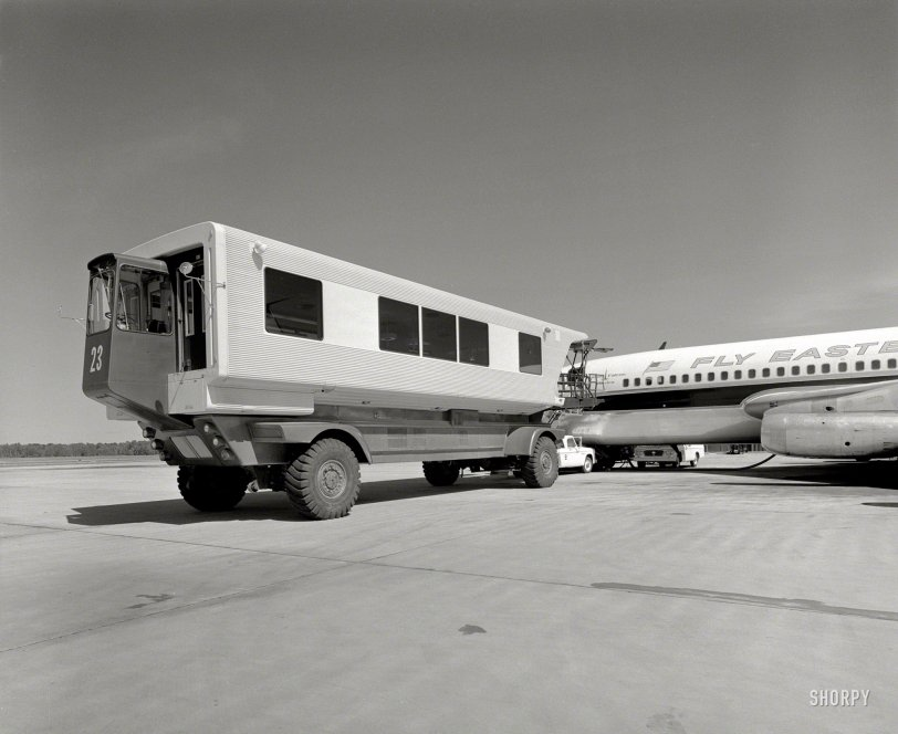 Mobile Lounge: 1963