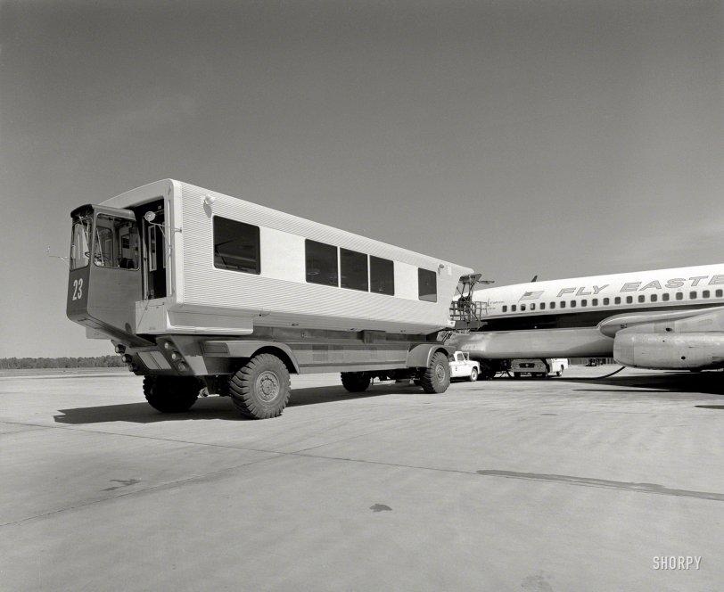Mobile Lounge: 1963