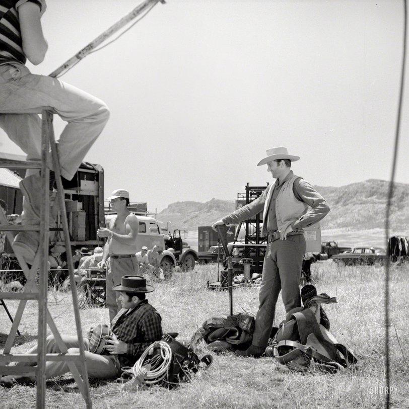 West of Dodge: 1957