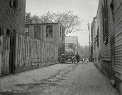 Gaslight Alley: 1914
