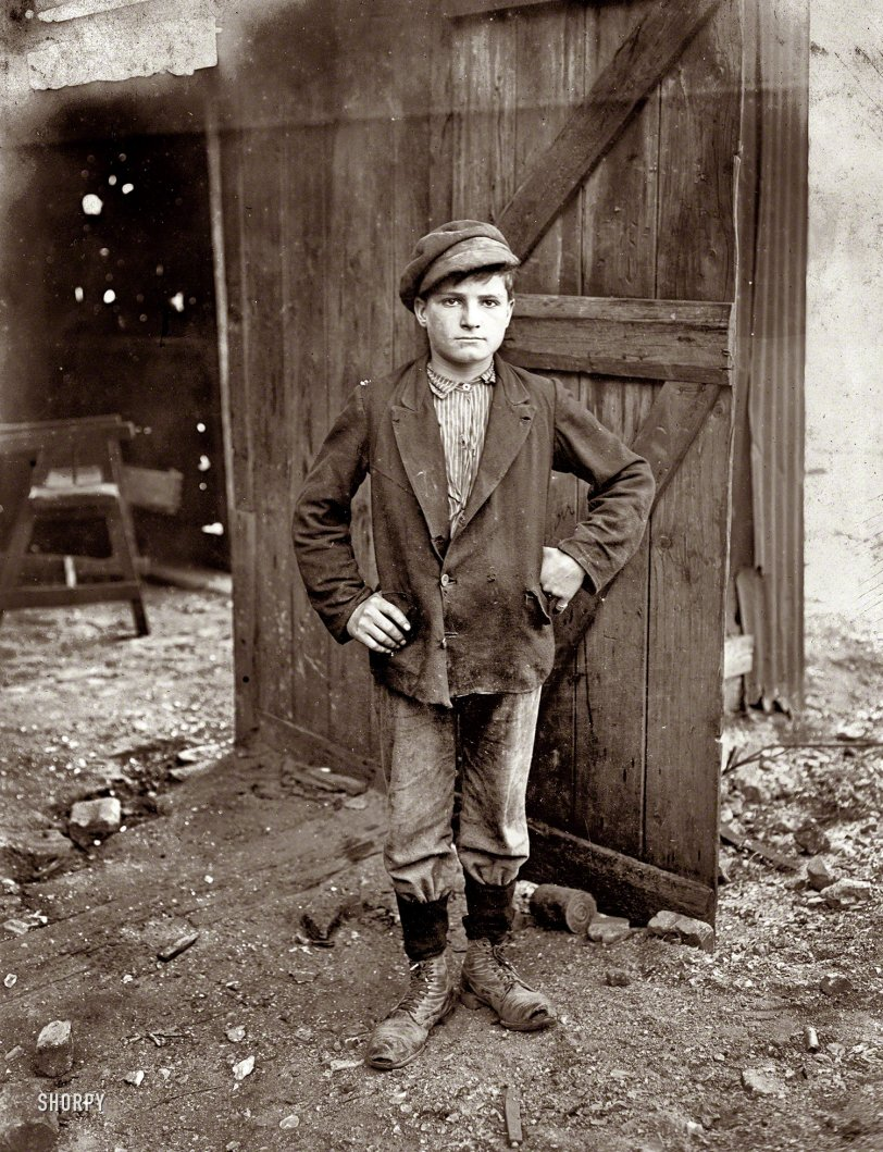 Glassworks Boy: 1908