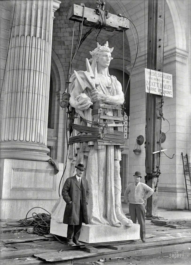 Statue of Electricity: 1912