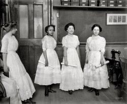 Dollar Dresses: 1909