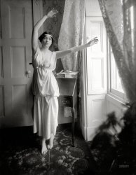 The Barefoot Baroness: 1909