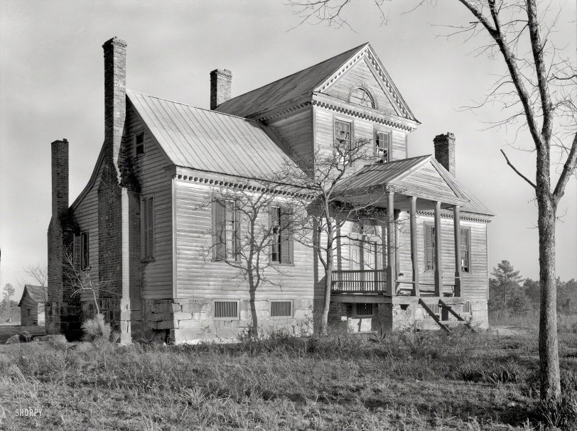Hyphen House: 1939