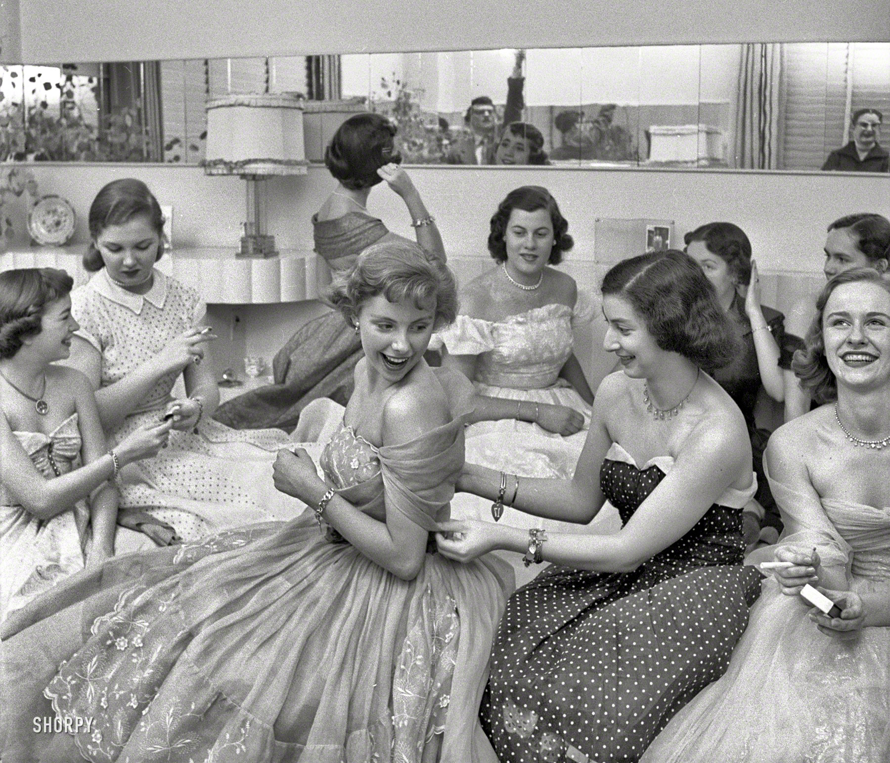 Shorpy Historic Picture Archive :: House Party: 1950 high-resolution photo