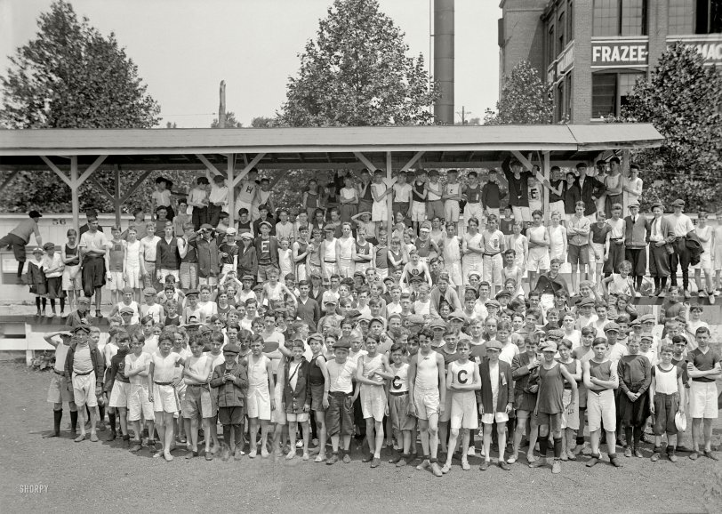 A Fast Crowd: 1914