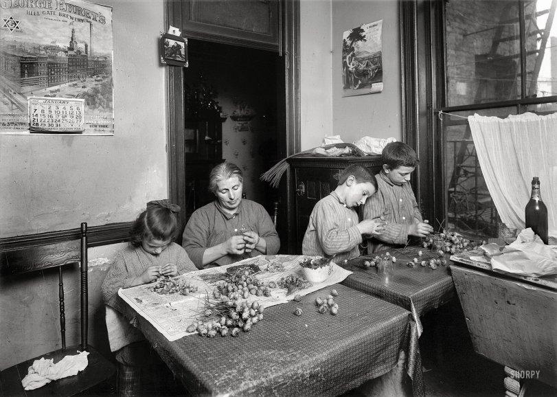 Apartment 17: 1912