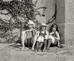 Hanging Out: 1922
