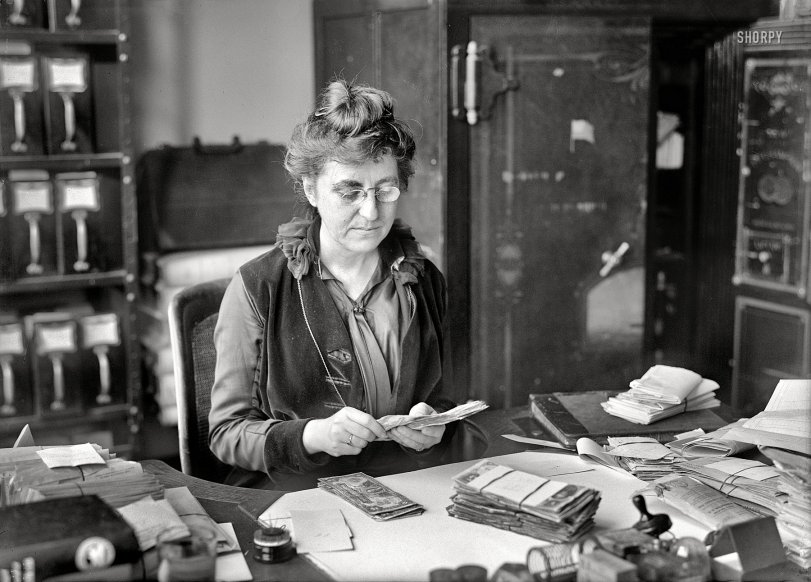Miss Dead Letter: 1916