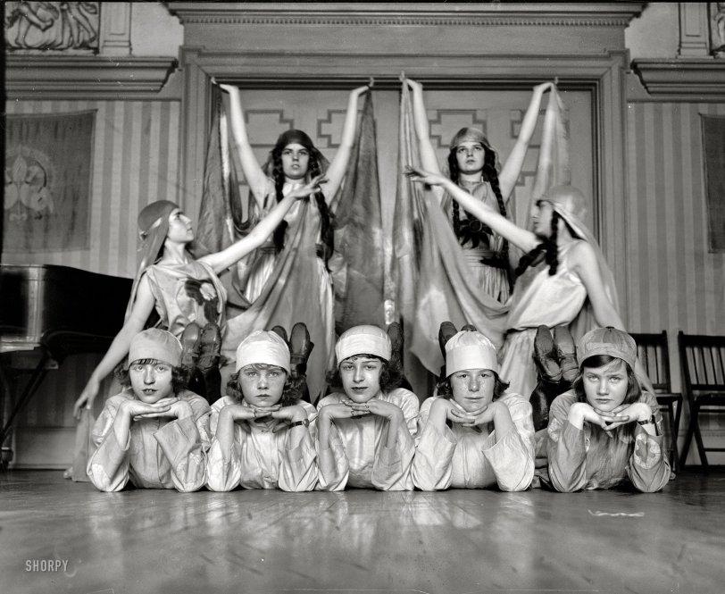 Danseuses Russes: 1923