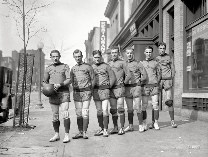 Palace Hoopsters: 1924