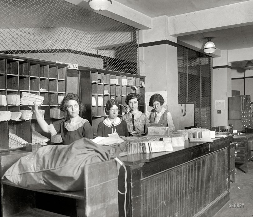 Mailroom Girls: 1924