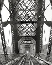Memphis Bridge: 1985