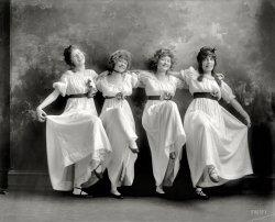 Radium Dancers: 1919