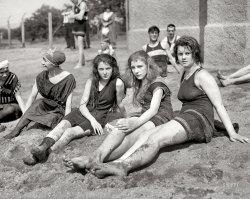 Dirty Girls: 1922