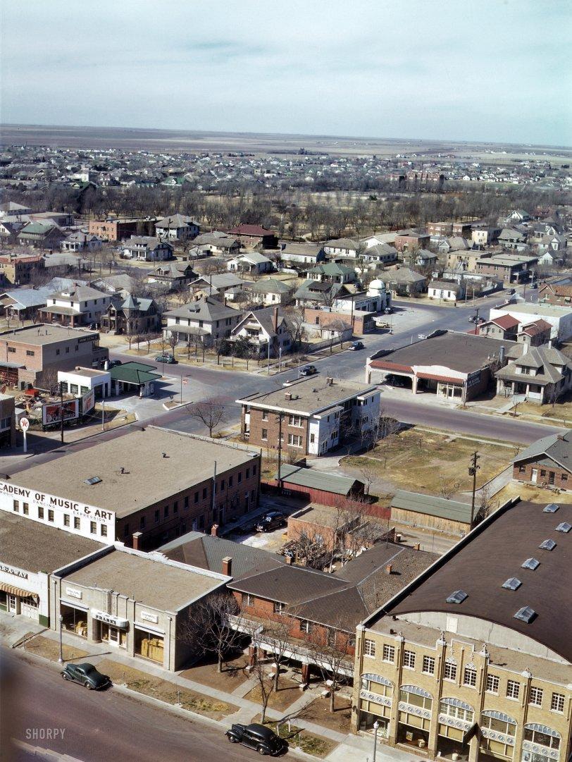 Aerial Amarillo: 1943