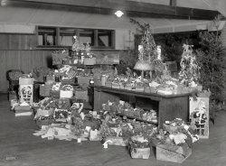 Red Cross Baskets: 1920