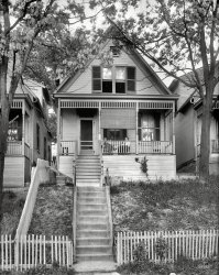 Picket Fences: 1920