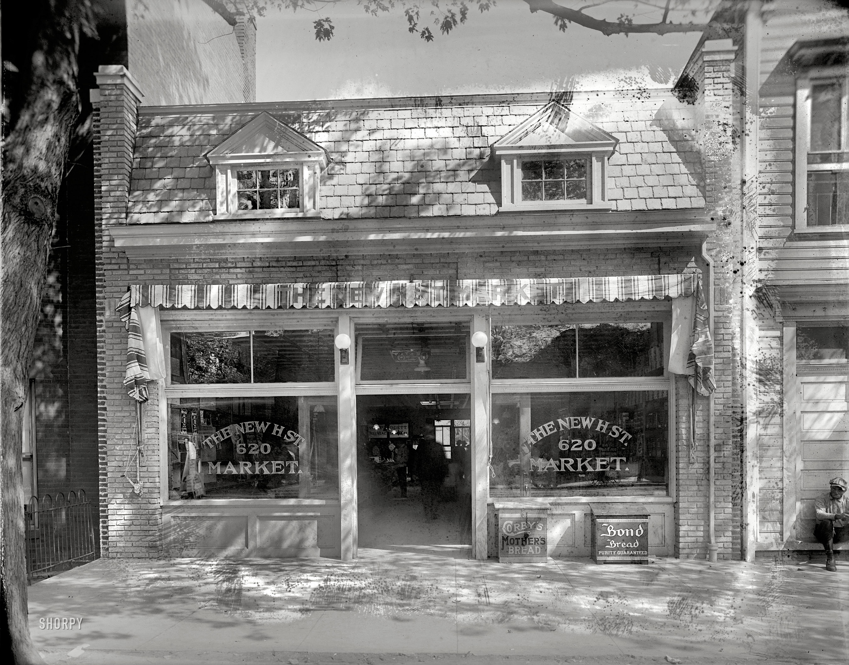 Shorpy historic picture archive h street market 1920 for Furniture u street dc