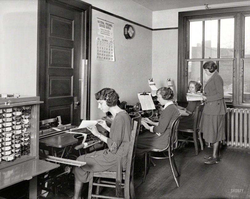 Office Girls: 1921
