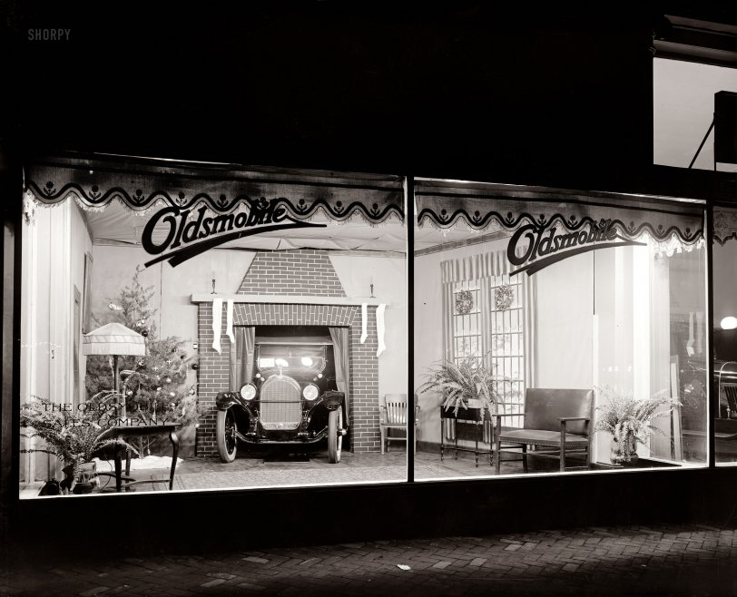 Stocking-Stuffer: 1922