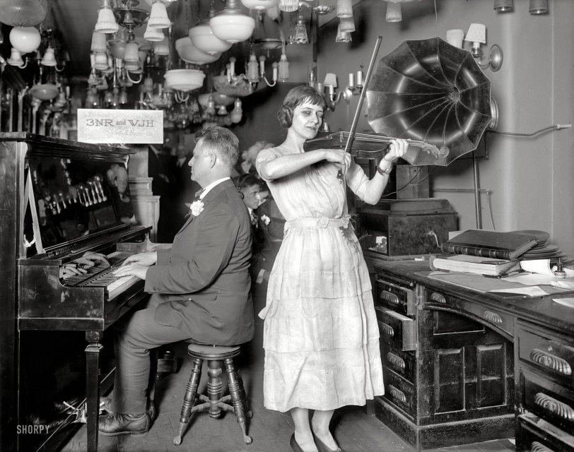Simulcast: 1922