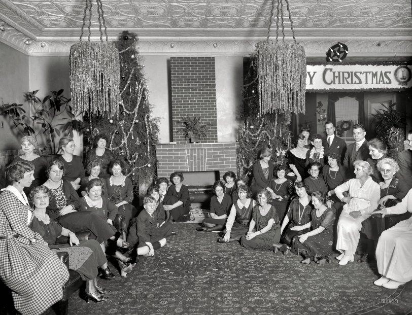 Merry Christmas: 1921