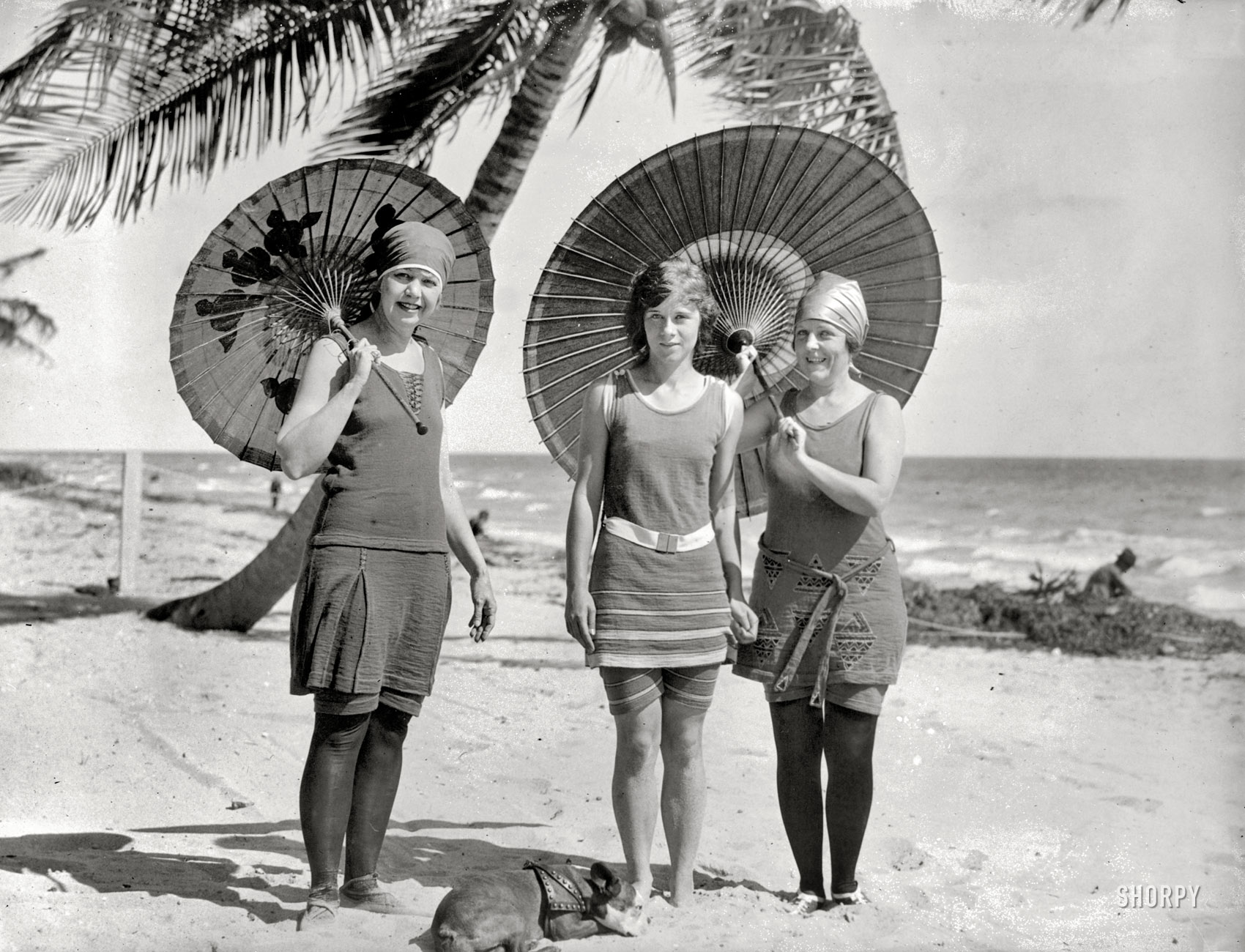 Shorpy Historic Picture Archive :: Sun and Fun: 1923 high-resolution photo