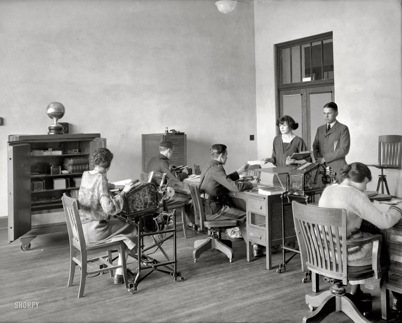Junior Accountants: 1923