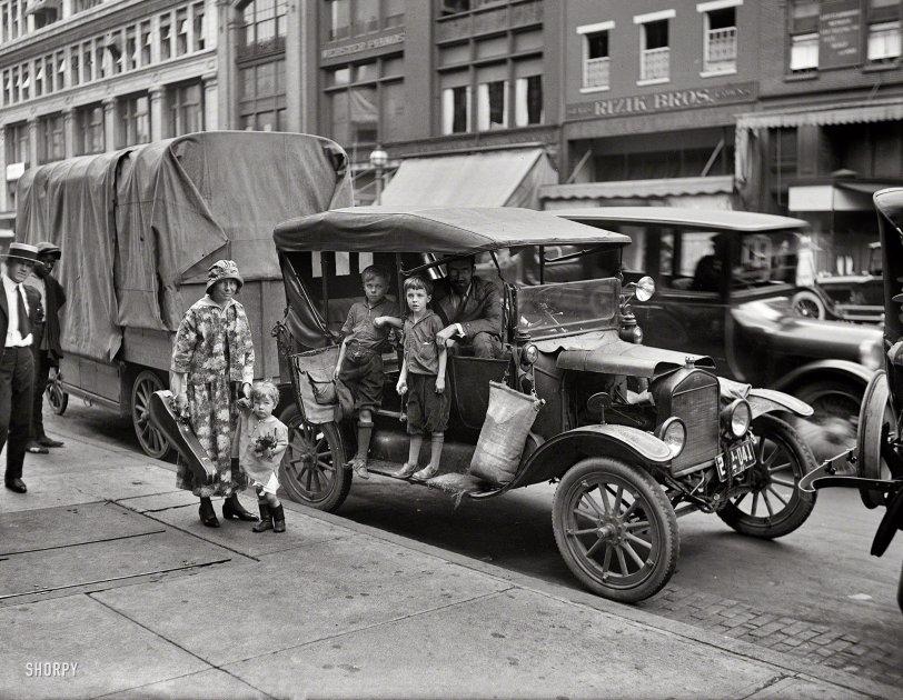 Meet the Seegers: 1921