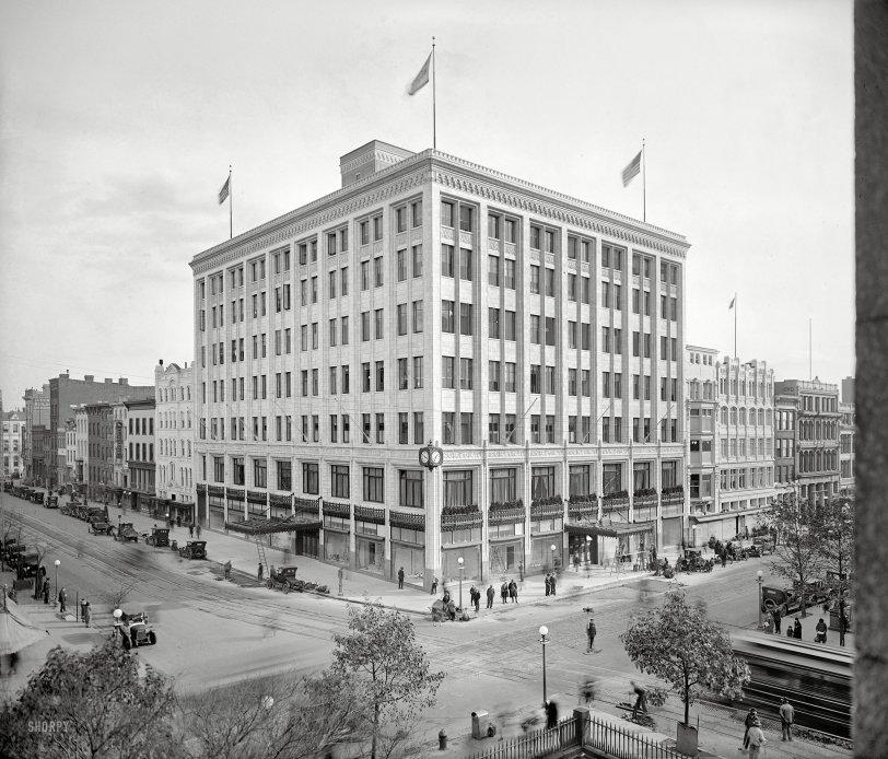 Hecht's: 1925