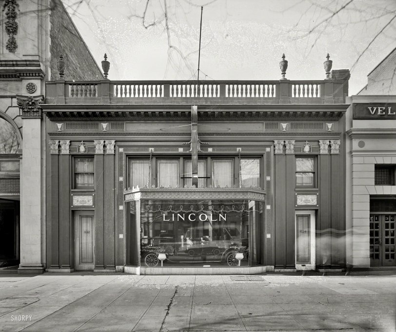 The Lincoln Store: 1925