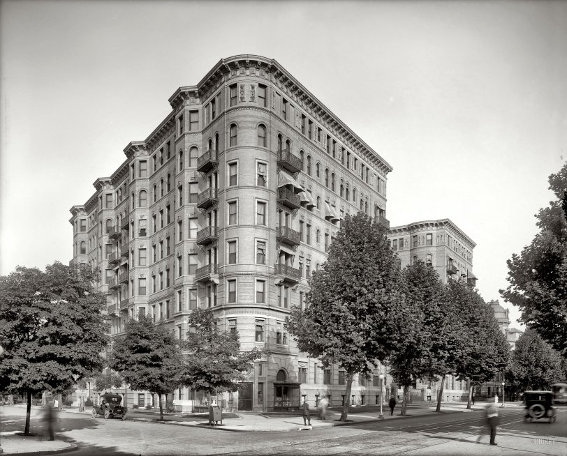 Balcony Scene: 1925