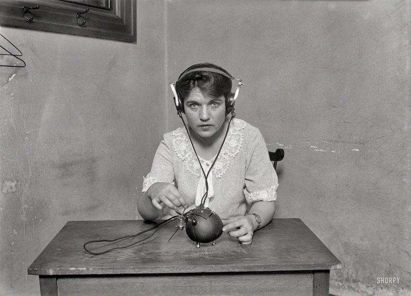 Radio Nut: 1924