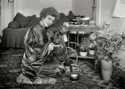 Tea Roses: 1921