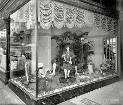 Silk Stockings: 1926