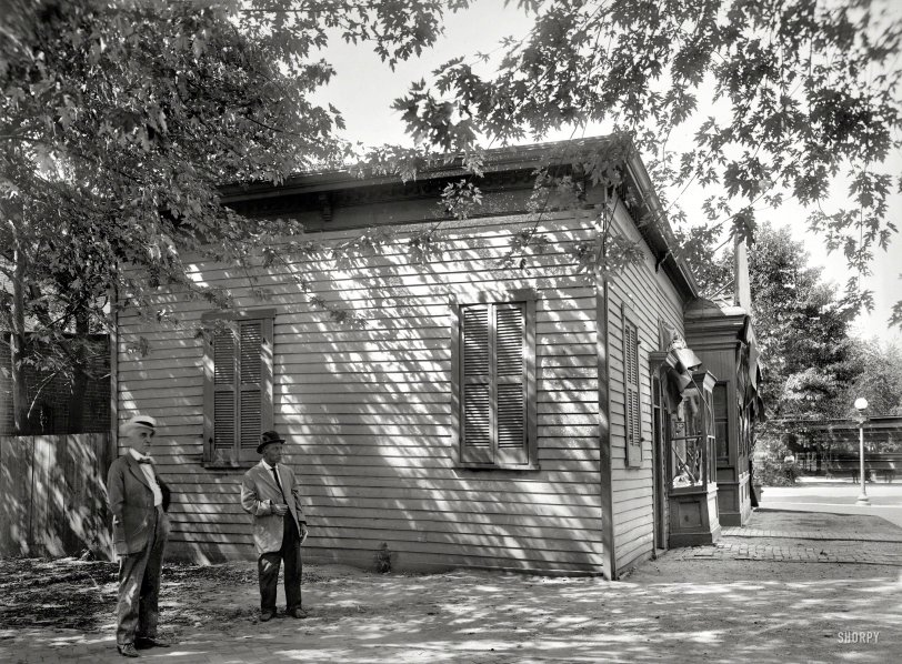 Little Gray Schoolhouse: 1917