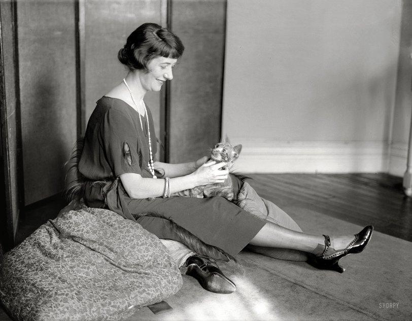 Feline Fontanne: 1922
